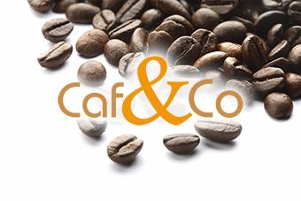 Logo de l'entreprise Caf and Co sur fond de grain de café, image de contact
